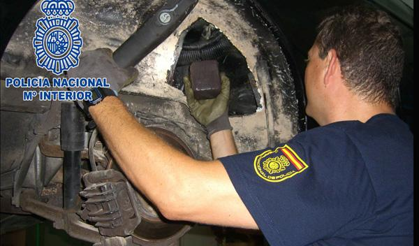 Así localizó la Policía 60 kg de hachís ocultos en un coche