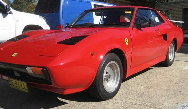 Ferrari 308 GTB falso