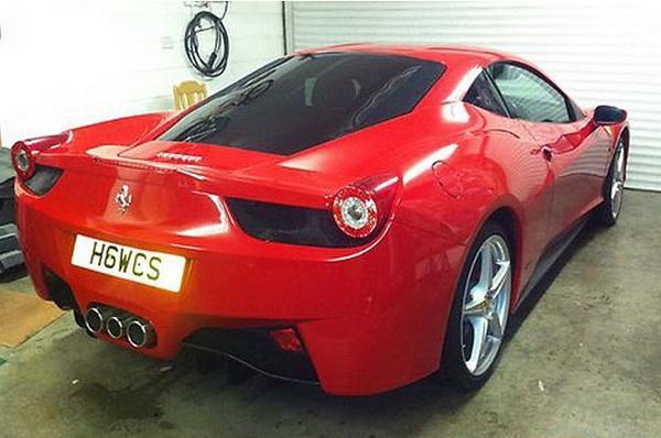 Ferrari 458 Italia falso trasera