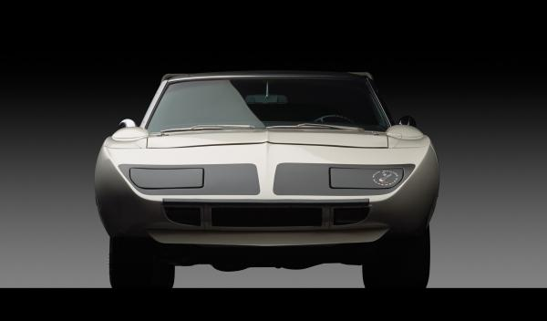 El Plymouth Road Runner Superbird tiene faros escamoteables