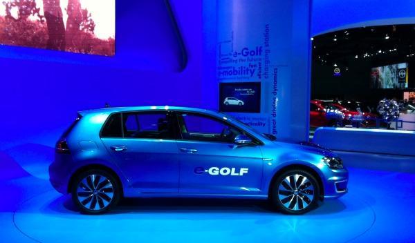 Volkswagen eGolf lateral