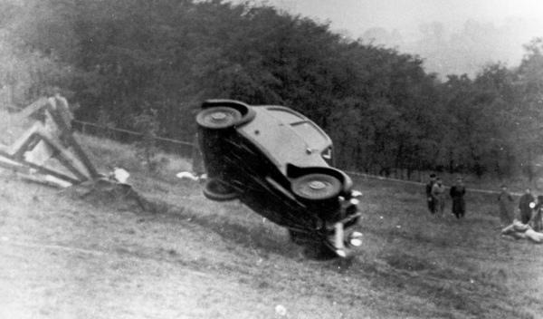 75 años pruebas de choque Audi