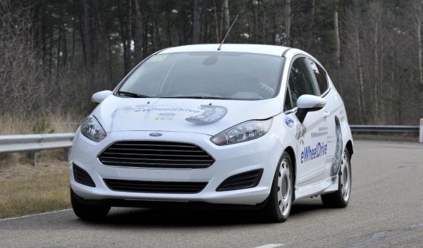 El Ford Fiesta eWheelDrive ofrece un centro de gravedad mucho más bajo