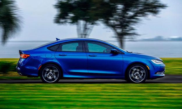 Chrysler 200 2015 lateral