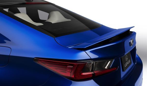 El Lexus RC F despliega su alerón a partir de 80 km/h