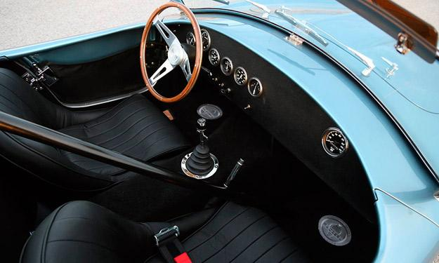 Shelby Cobra 289 50 Aniversario interior