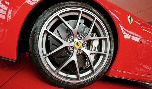 Ferrari 599 GTO llanta