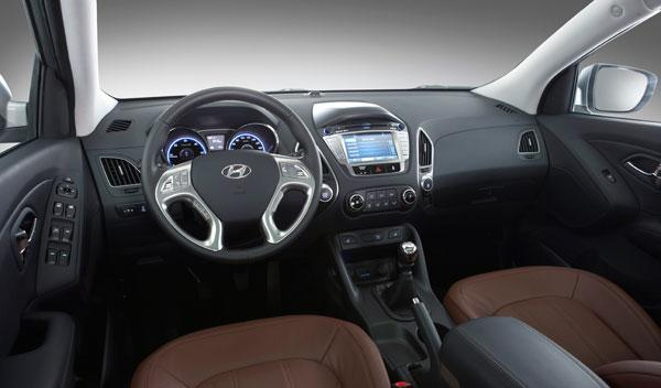 El concepto fluídico de Hyundai también está presente en el interior