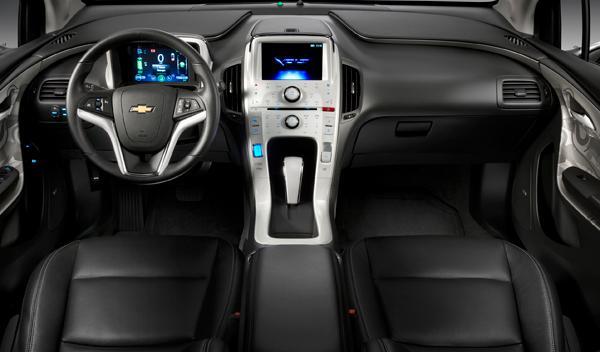En el interior aparece el habitual 'diseño dual' del habitáculo de Chevrolet