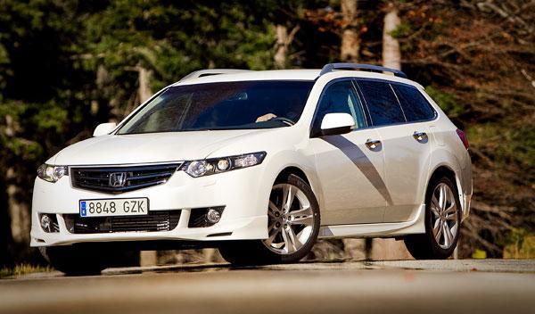 La versión Type S se convierte en el máximo exponente deportivo de la gama Accor