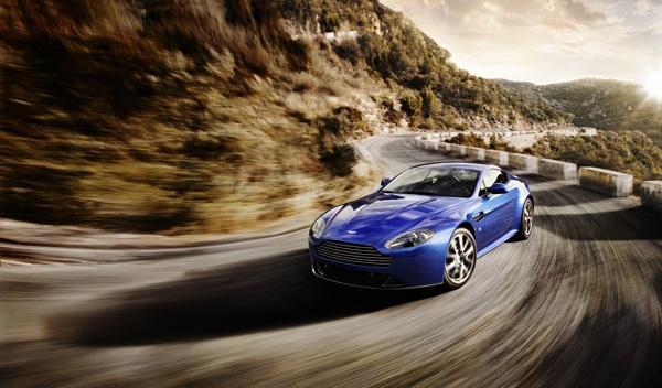 Aston Martin V8 Vantage S frontal1
