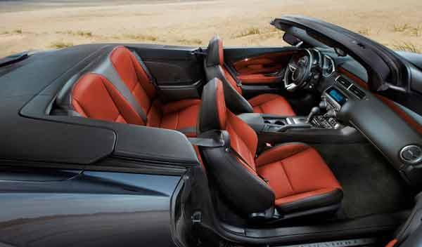 Chevrolet Camaro Cabrio interior