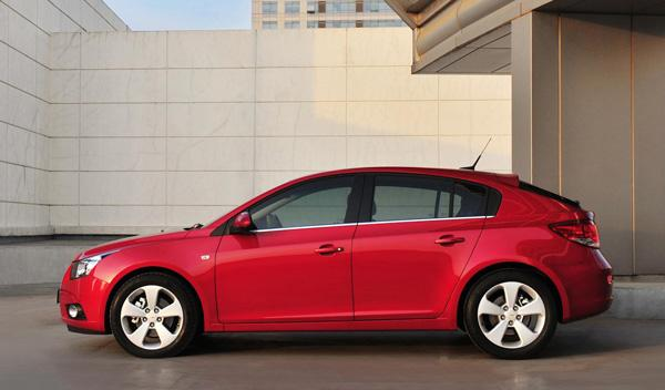 Chevrolet Cruze 5 puertas lateral