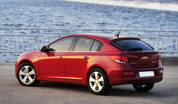 Chevrolet Cruze 5 puertas trasera