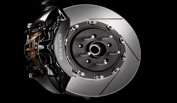 Aston Martin V8 Vantage S frenos