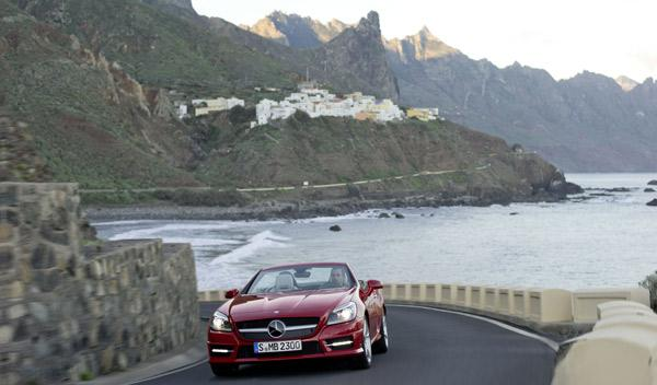 Mercedes-SLK-350-movimiento-descapotado-frontal