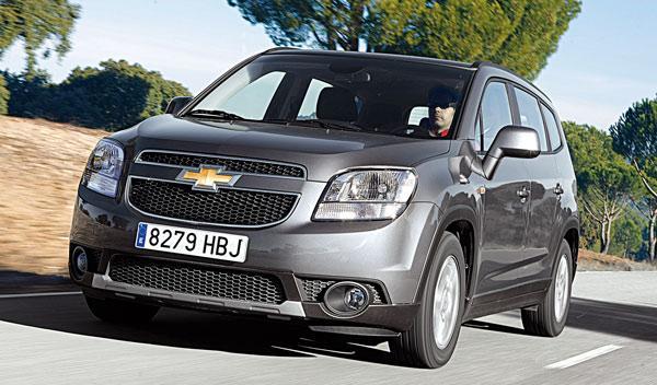 Chevrolet-Orlando-frontal-movimiento