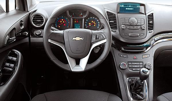 Chevrolet-Orlando-interior