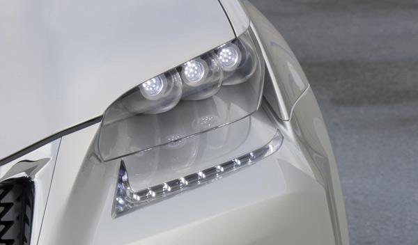 Faro delantero del Lexus LF-Gh