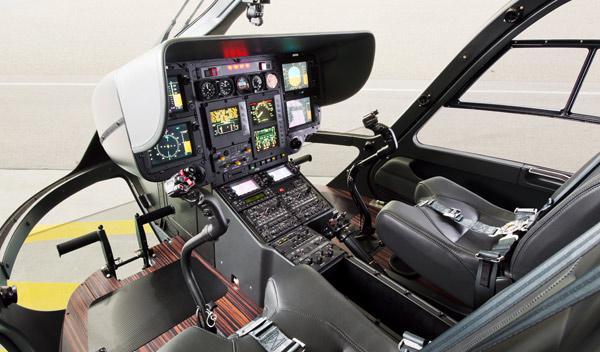 helicoptero mercedes cabina