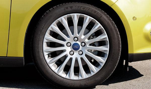 ford focus ecoboost individual plus llantas