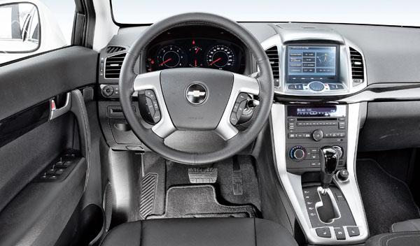 chevrolet-captiva-2.2-VCDI-interior