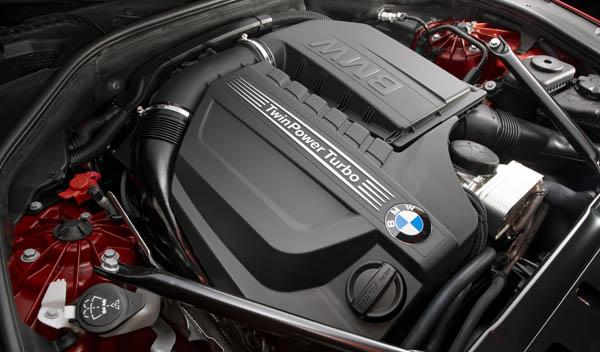 BMW-640i-Coupe-2011-motor
