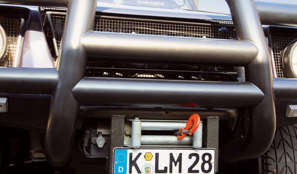 Lamborghini Lambo LM 002 defensa