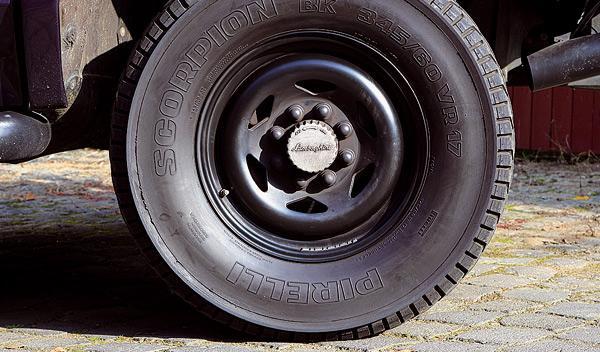 Lamborghini Lambo LM 002 ruedas
