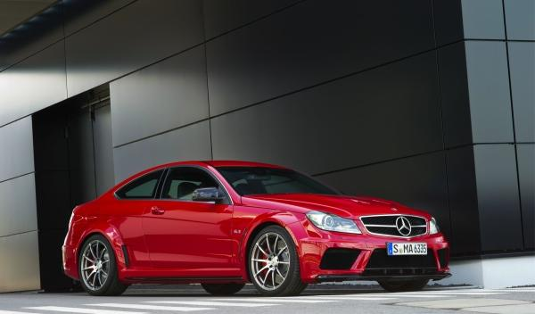 Mercedes-C-63-AMG-Black Series-01