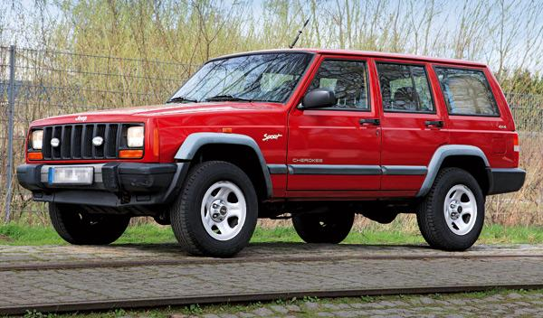Jeep Cherocke sport todoterreno lateral