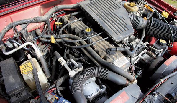 Jeep Cherocke sport todoterreno motor