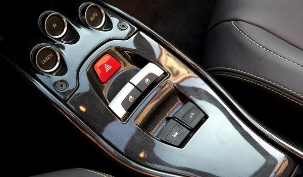 Ferrari-458-Spider-interior-capota