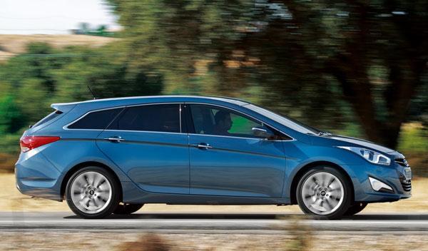 Hyundai-i40-CW-exterior-lateral
