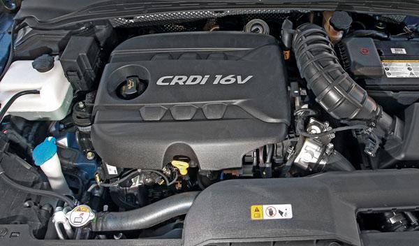 Hyundai-i40-CW-detalle-motor