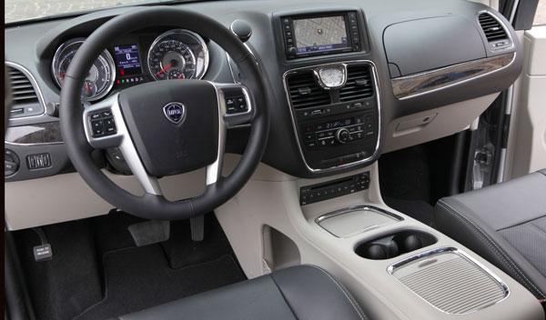 Nuevo Lancia Voyager, interior