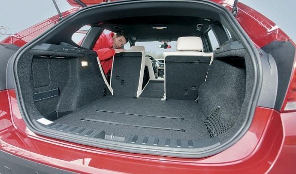 bmw-x1-diésel-gasolina-maletero