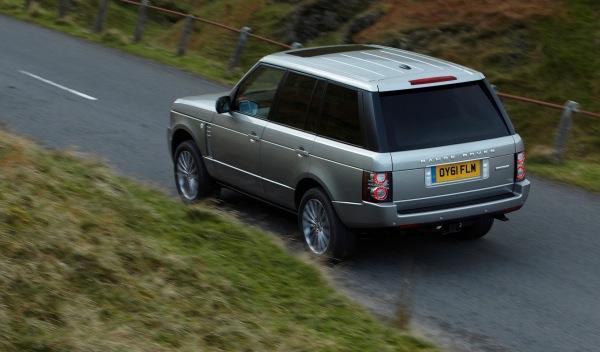 Land-Rover-Range-Rover-2012-trasera