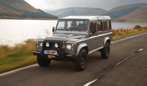 Land-Rover-Defender-2012-delantera