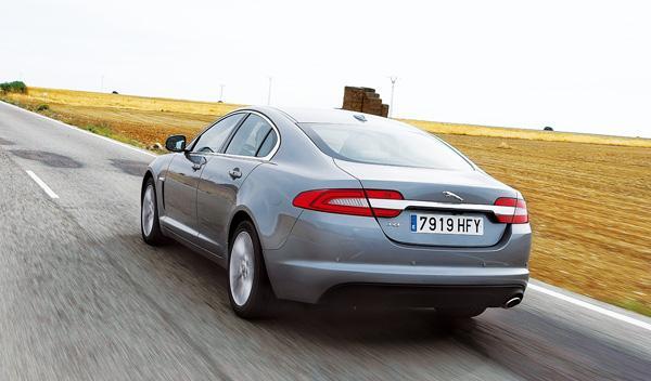 Jaguar-XF-Diesel-trasera