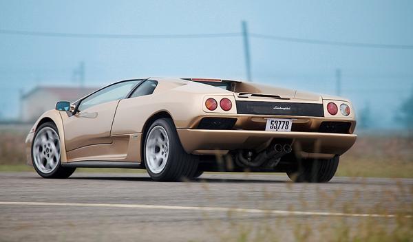 Lamborghini Diablo trasera lateral