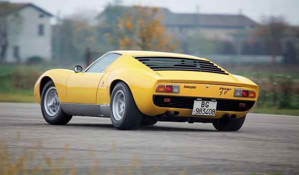 Lamborghini Miura trasera lateral