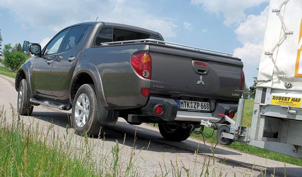 Mitsubishi L200 DI-D Motion trasera