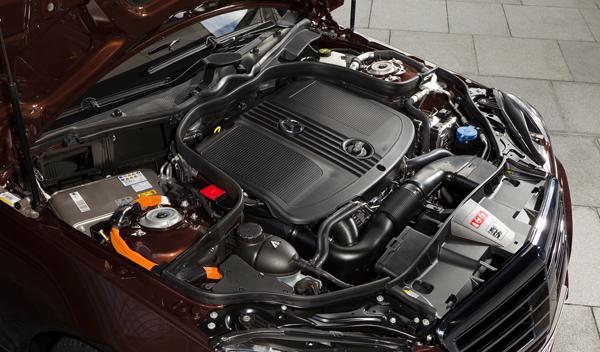 Mercedes E 300 Bluetec Hybrid motor