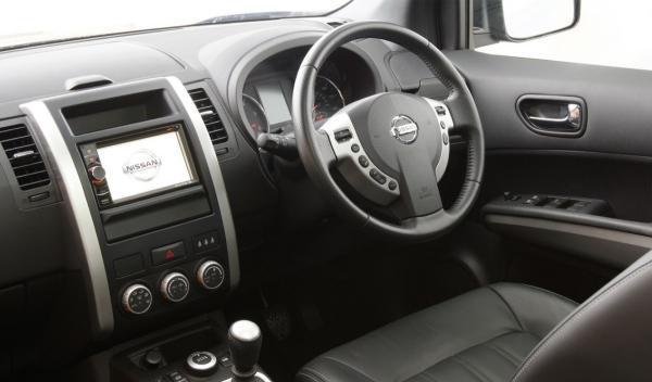 Nissan X-Trail Platinum Edition salpicadero