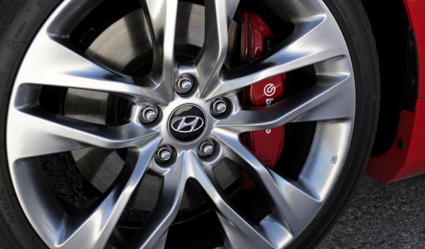 Hyundai Genesis Coupe ruedas