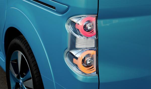 Nissan e-NV Concept piloto trasero