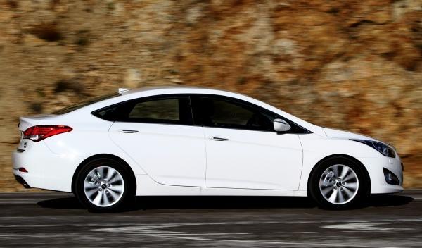 Hyundai i40 sedan 2012 lateral