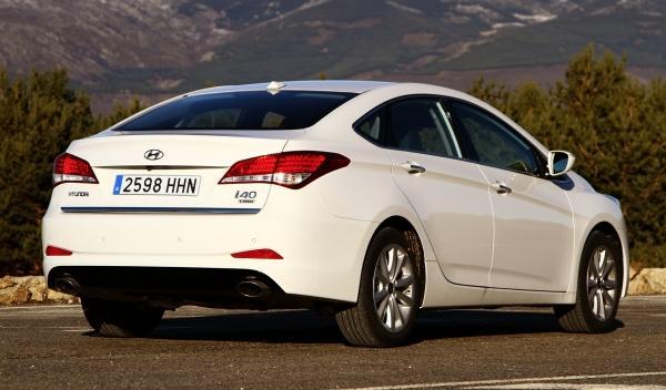 Hyundai i40 sedan 2012 trasera