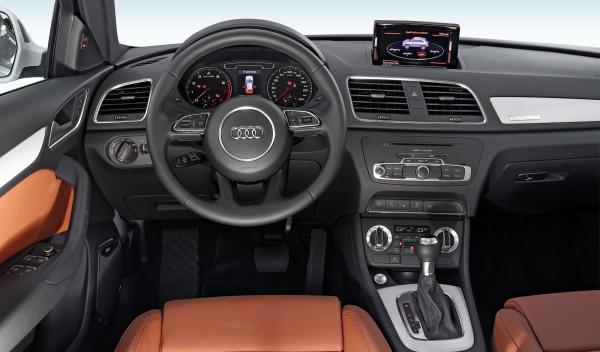 Audi Q3 2.0 TFSI salpicadero